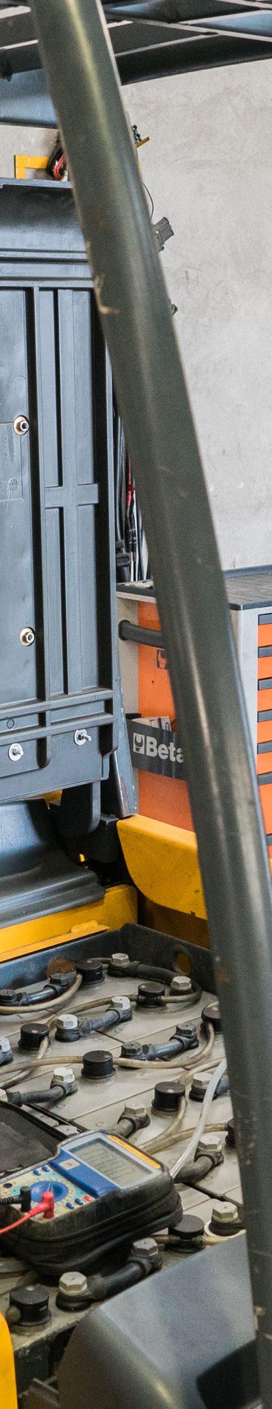 Carrello elevatore elettrico usato: 9 trattamenti per rigenerarlo
